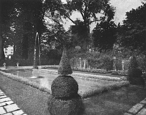 Villa Trianon garden