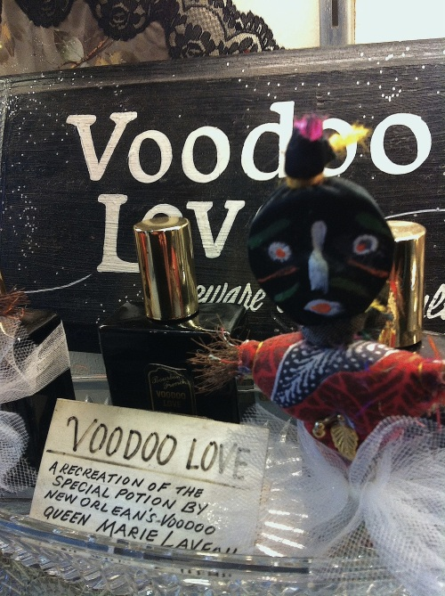 voodoolovedisplay2038