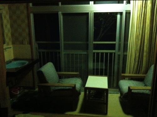 hotelroomatnight