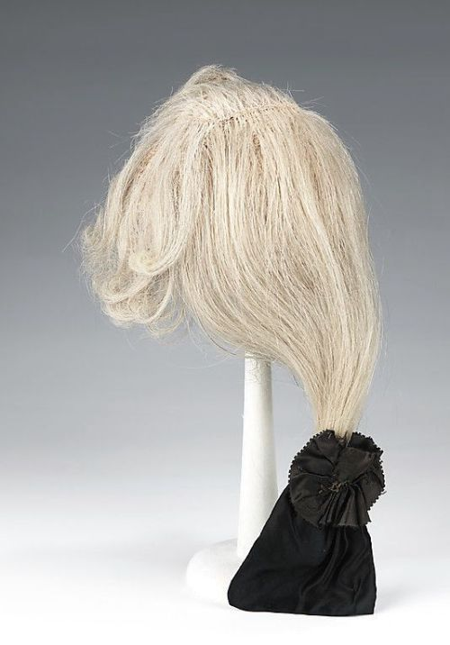 8aea59e78bc3b8dc1ab0342cce1e5a90--black-wig-french-silk