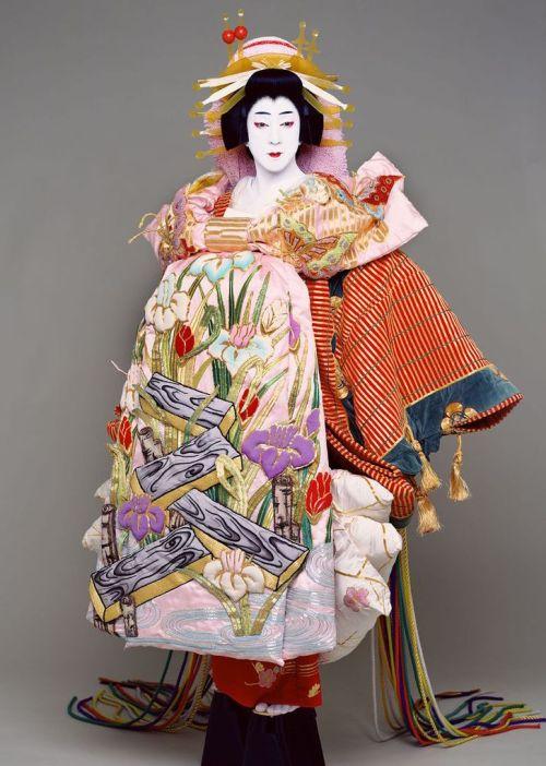 e5a7bccde17b6e97907edc1ba08ba602--japanese-style-kabuki