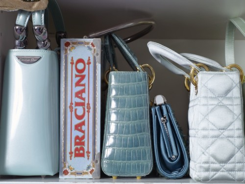 Catherine-Opie-–-Aqua-Handbags-from-700-Nimes-Road-Elizabeth-Taylors-home-800x600@2x.jpg