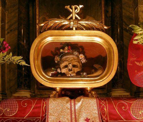 Rom,_Santa_Maria_in_Cosmedin,_Reliquien_des_Hl._Valentin_von_Terni.jpg