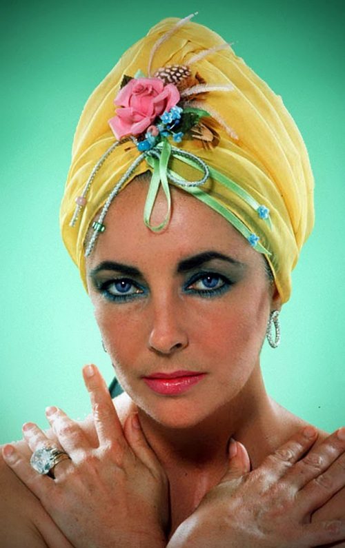 stunning-elizabeth-taylor-aged-44-photographed-by-henry-wynberg-in-march-1976.jpg
